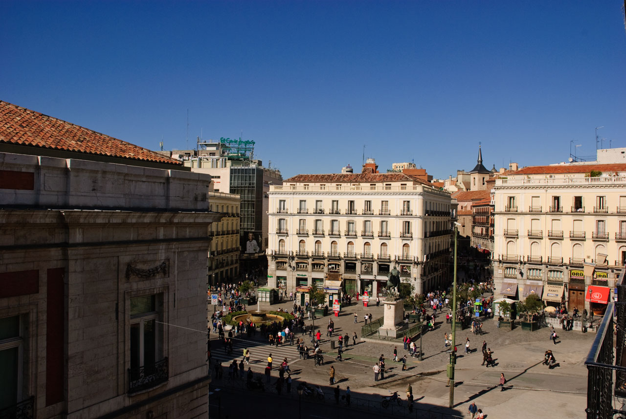 The central Madrid square - Sol