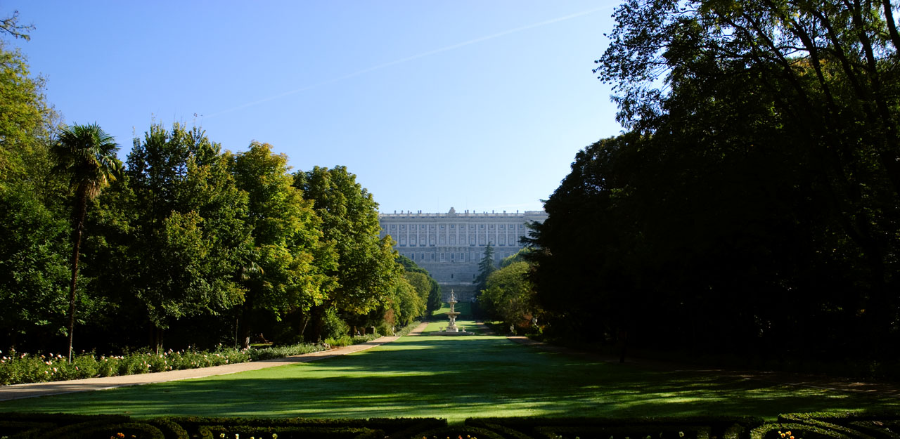 Royal palace, garden view